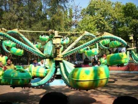 octopus ride in Essel World